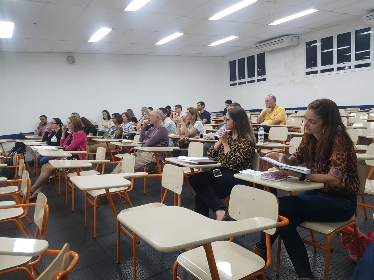 Reunião acadêmica define estratégias do semestre